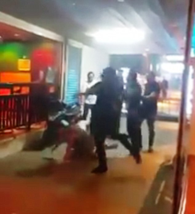 2 Australians Brutally Beaten by Security Guards at Phuket Night Club – [VIDEO]
