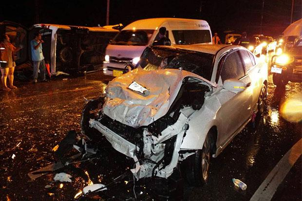Tragic Accident in Phuket Takes Drivers Life and Injures Chinese Tourists