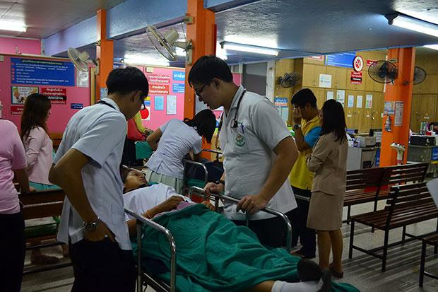 Suspected Food Poisoning Hospitalizes Over 50 Students in Phayao