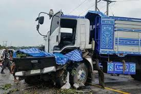 He dozed off at the wheel and his vehicle ran head-on into a Bangkok-registered pickup truck in the opposite lane.