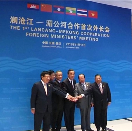Foreign ministers from the six countries along the Lancang-Mekong river met for the first time to frame a cooperation mechanism