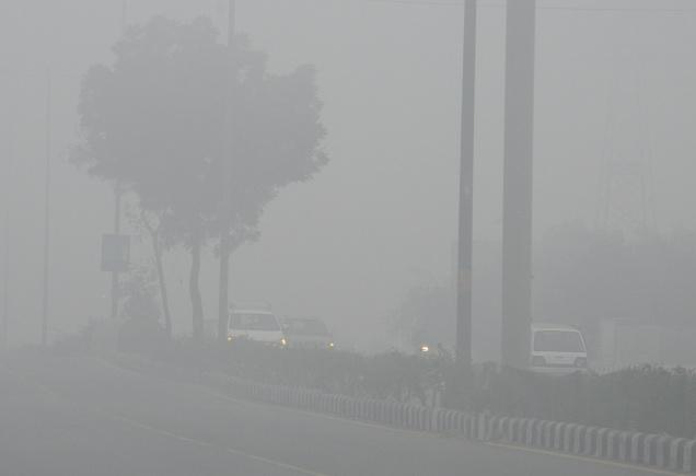 """Colder Temperatures Brings """"Pea Soup Fog"""" to Northern Thailand"""