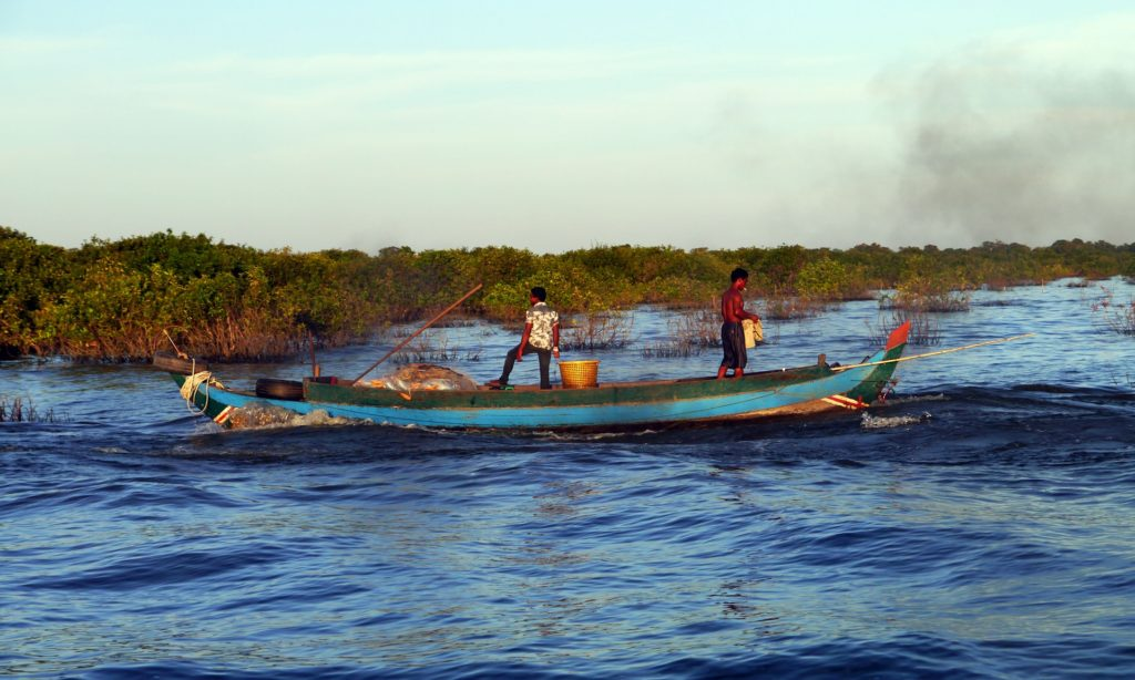Fishermen at work on Tonlé Sap lake, Cambodia. All photo: Sam Jones