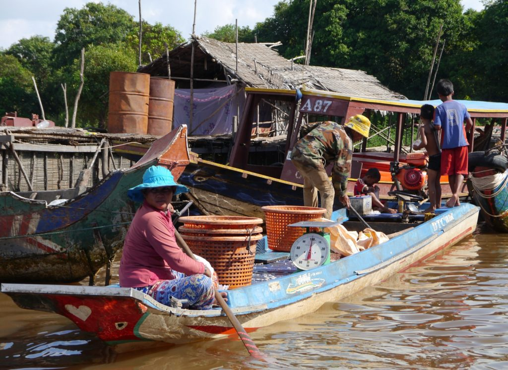 A fishing boat in Kampong Phluk commune