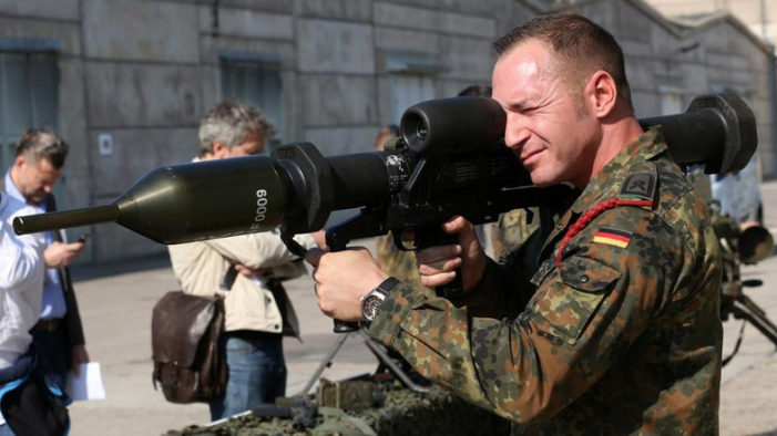 """German Parliament Votes """"Yes"""" to Send Troops to Fight ISIS"""
