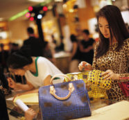 Thai Chamber of Commerce Says Consumer Confidence on the Rise
