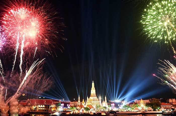 Thailand Stages the Grand New Year 2016 Countdown