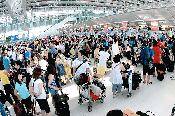 Overcrowding at Suvarnabhumi Airport is a serious issue that will become critical quickly,