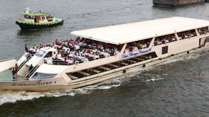 The Chao Phraya Princess dinner cruises are especially popular with Chinese tourists