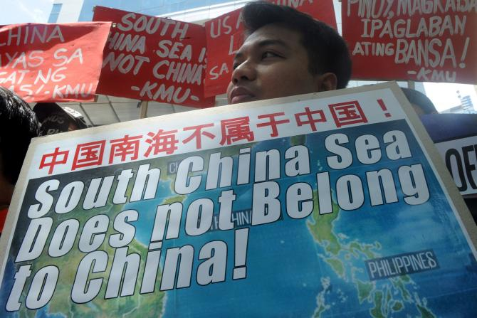 Philippines asks China to Respect The Hague Ruling on South China Sea Dispute