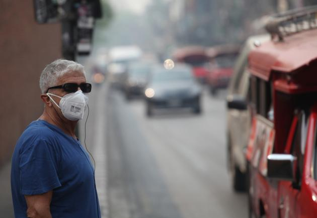 People have been urged to wear face masks when they venture outdoors after the level of dust particles surpassed the maximum safety limits