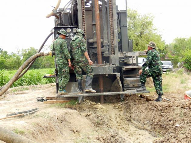 Thai Army drilling groundwater wells in search of water for fields