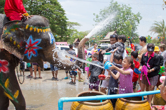 Government Urges Public to Use Water Sparingly During Songkran