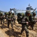 Thousands of US and South Korean soldiers have staged a massive joint amphibious landing drill, involving aircraft, naval vessels and armored vehicles, as part of an annual military exercise.