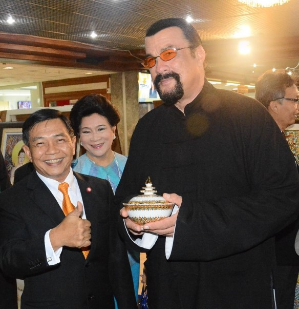 Hollywood Star Steven Seagal Plans to Shoot Films, set up Production Company in Thailand