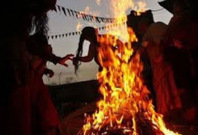 16 Year-Old Pakistani Girl Burned to Death For Helping School Friend Elope