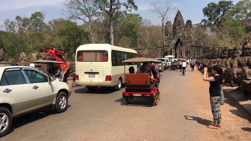 Traffic jam, elephant riding and mass tourism in Angkor Wat Cambodia