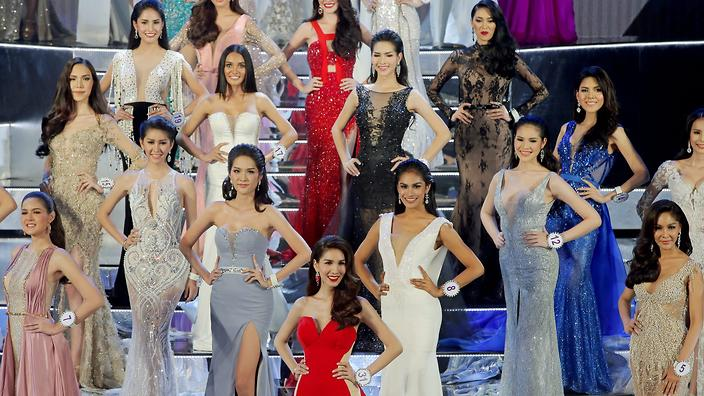 epa05304966 Contestants for Miss Tiffany's Universe Thailand 2016 take to the stage during the annual transgender beauty contest 'Miss Tiffany's Universe Thailand 2016' at the Tiffany's Show Theatre in Pattaya city, Chonburi province, Thailand, 13 May 2016. Thirty Thai transgender contestants took part in the final stage of the annual beauty contest which is aimed to promote the tourism industry in the resort city of Pattaya city.  EPA/DIEGO AZUBEL