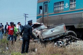 Four people were killed when the pickup truck they were travelling in was rammed by a Bangkok-Hua Hin passenger train