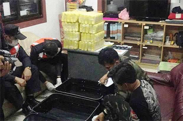 Two Chiang Rai Teens Busted for Smuggling 400,000 Speed Pills