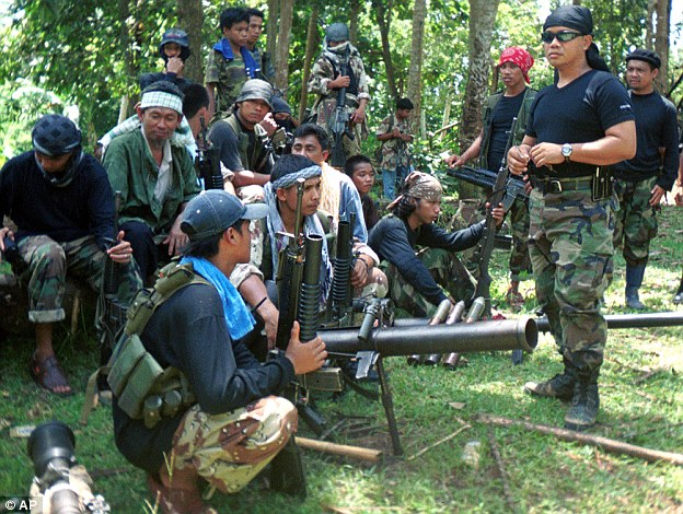 Philippines, Indonesia, Malaysia Agree to Act Against Abu Sayyaf Extremists