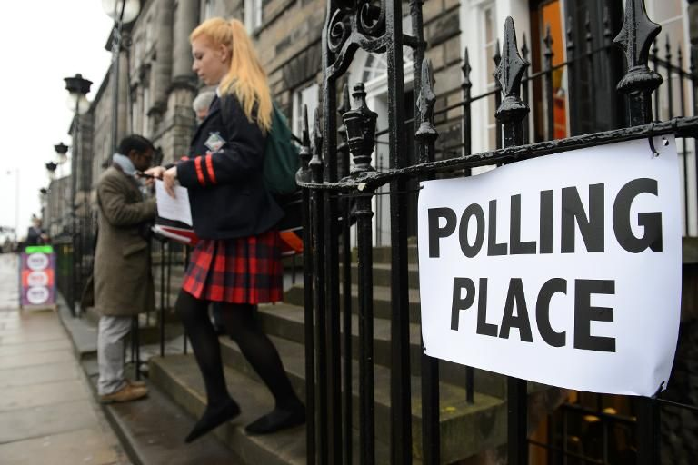 There will be no exit polls taking place for the EU referendum in Britain so the result is unlikely to begin emerging before about 0300 GMT Friday