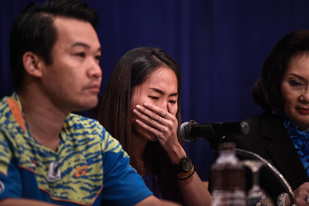 During a press conference regarding recent doping Thai Badminton star Ratchanok Intanon broke down in tears.