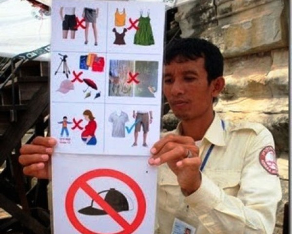 Cambodian Authorities to Enforce New Dress Code for Angkor Wat