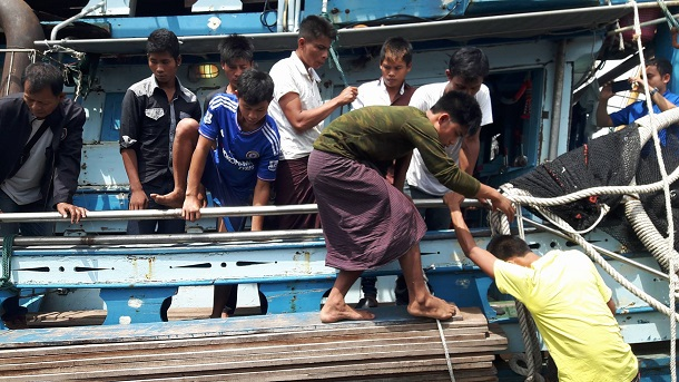 19 Trafficked Burmese Fishermen Rescued From Fishing Boat in Pattani, Southern Thailand
