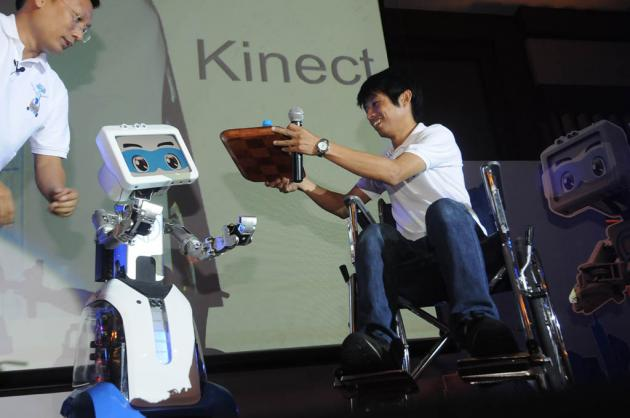 "CT Asia Robotics, the manufacturer of robots for commercial use, has introduced the second version of its interactive automaton ""Dinsow2"""
