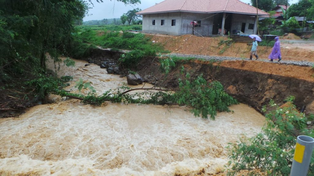 Residents have been warned of possible flash floods and forest runoffs due to torrential rain