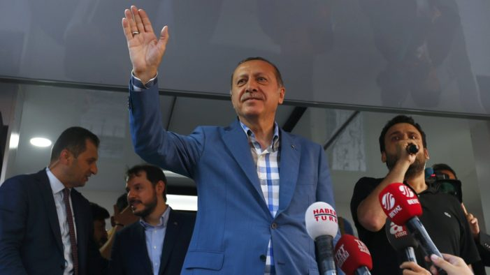 Turkey's President Recep Erdogan Defends Detention of 3,495 Judges and Prosecutors