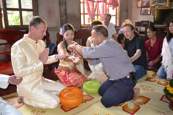Learn about Thai traditions before getting deciding to get married.