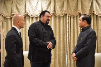 Steven Seagal greets Prime Minister Prayut Chan-ocha at the Government House - Photo  Jettana Pantana