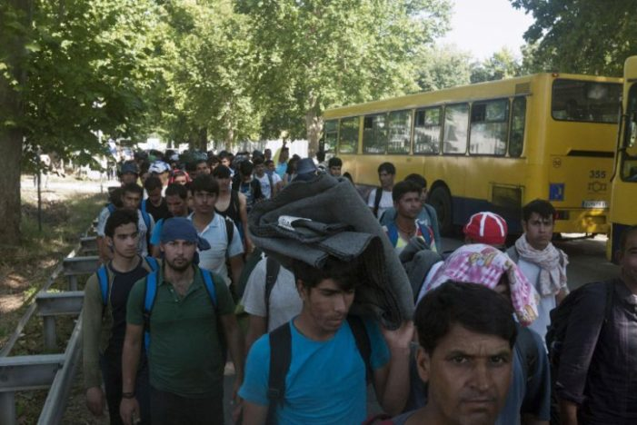 Hundreds of Migrants Marching Toward Hungary to Protest Border Closure