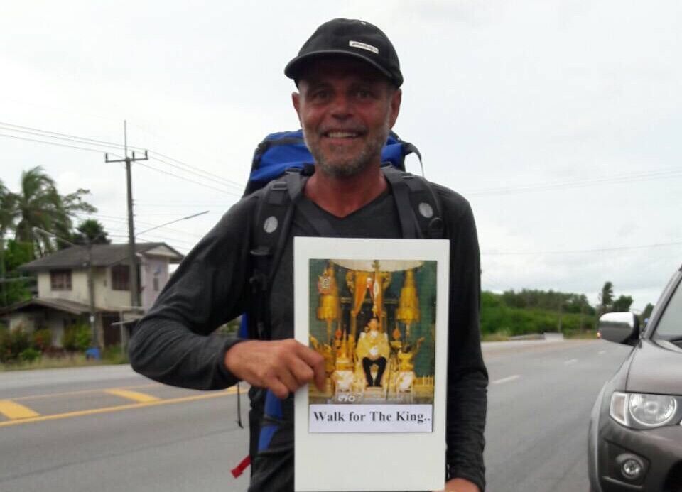 "Michael Hammil embarked on a 663-kilometer ""walk for the king"" yesterday from Koh Samui to Bangkok."