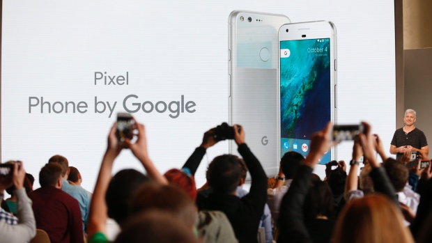 Google Unveiled its New Pixel Smartphone with Artificial Intelligence