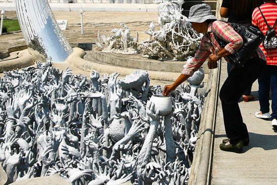 50 Baht Fee for Foreign Visitors Commences at Wat Rong Khun Temple (White Temple)