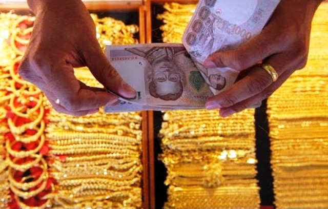 Gold Prices Plummet Bt550 in One Day