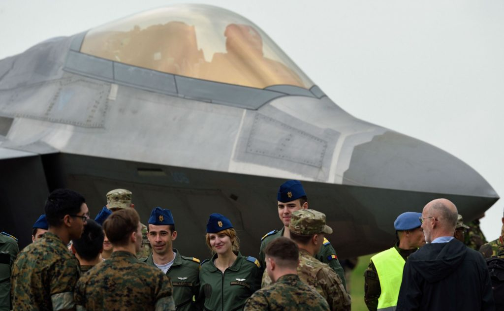 The US airplanes' crews were welcomed at the Romanian air base near the Black Sea AP