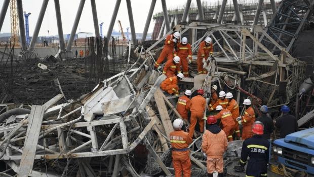 Death Toll from Scafolding Collapse in China Climbs to 74