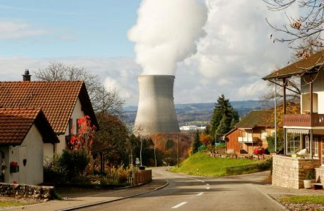 Steam emerges from a cooling tower of the nuclear power plant Leibstadt near Leibstadt, Switzerland, November 18, 2014.    REUTERS/Arnd Wiegmann/File Photo