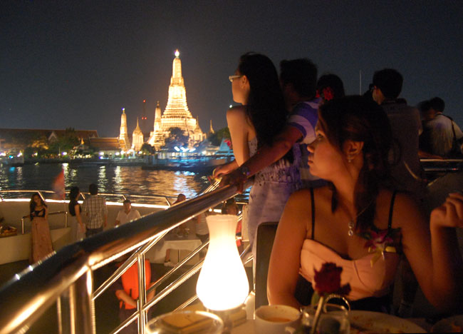 Visititing Bangkok on a Budget: Luxury for Less