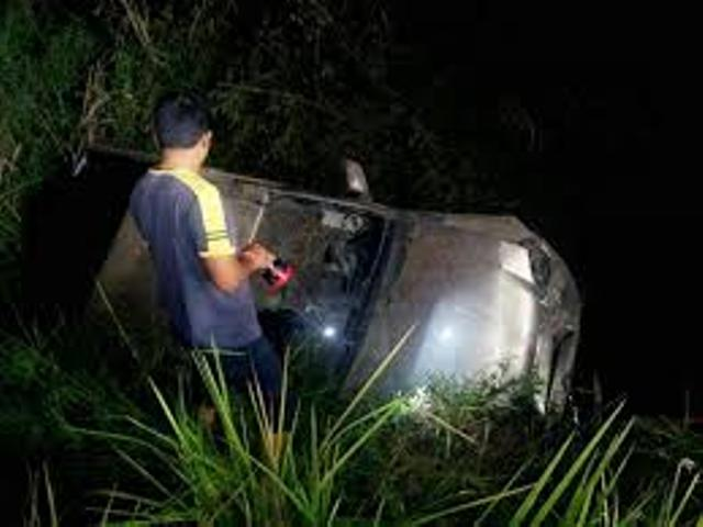 Chinese Tourist Killed, Two Passengers Injured after Car Crashes in Kamphaeng Phet Province