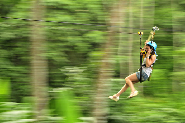Three Israeli Tourists Injured after Falling from Zipline in Chiang Mai
