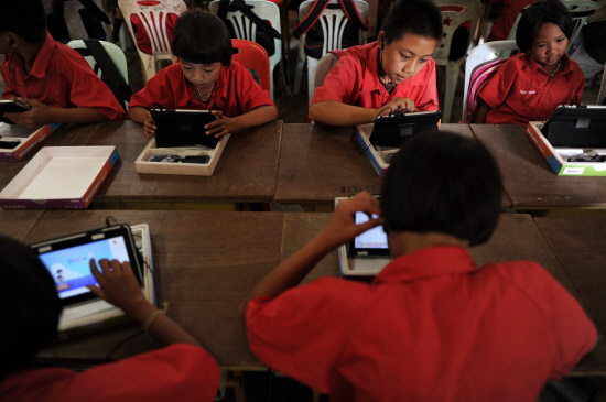Chiang Rai Students Significantly Improve English Skills by Using Qooco Mobile Learning App