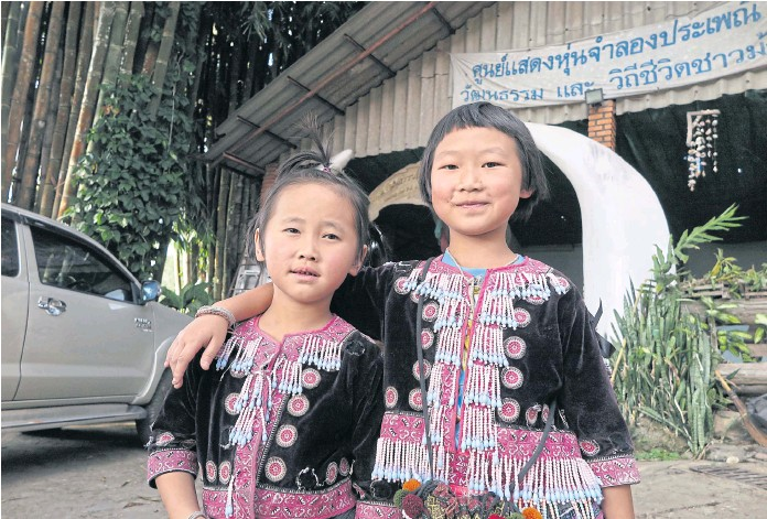 Foreign Newspapers Apologie to Hmong Girls for Labeling them Tiny Thieves