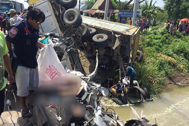 Two Dead in Ayuttthaya after a Sand Truck Collides with Nissan Sedan