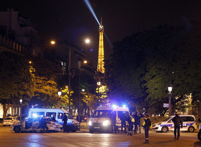 Pairs on Lock Down after Islamist Extremest Kills Policeman and Wounds two others