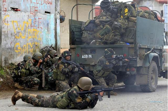 Soldiers Launch Attacks in Besieged Southern Philippine City of Marawi